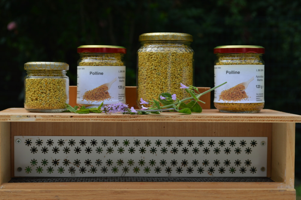 esposizione barattolini di polline